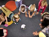 Enfants jouant à la garderie