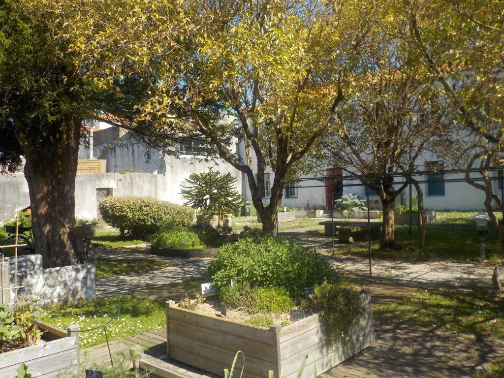 Parcs et jardins mairie le ch teau d 39 ol ron for Boulevard jardin botanique