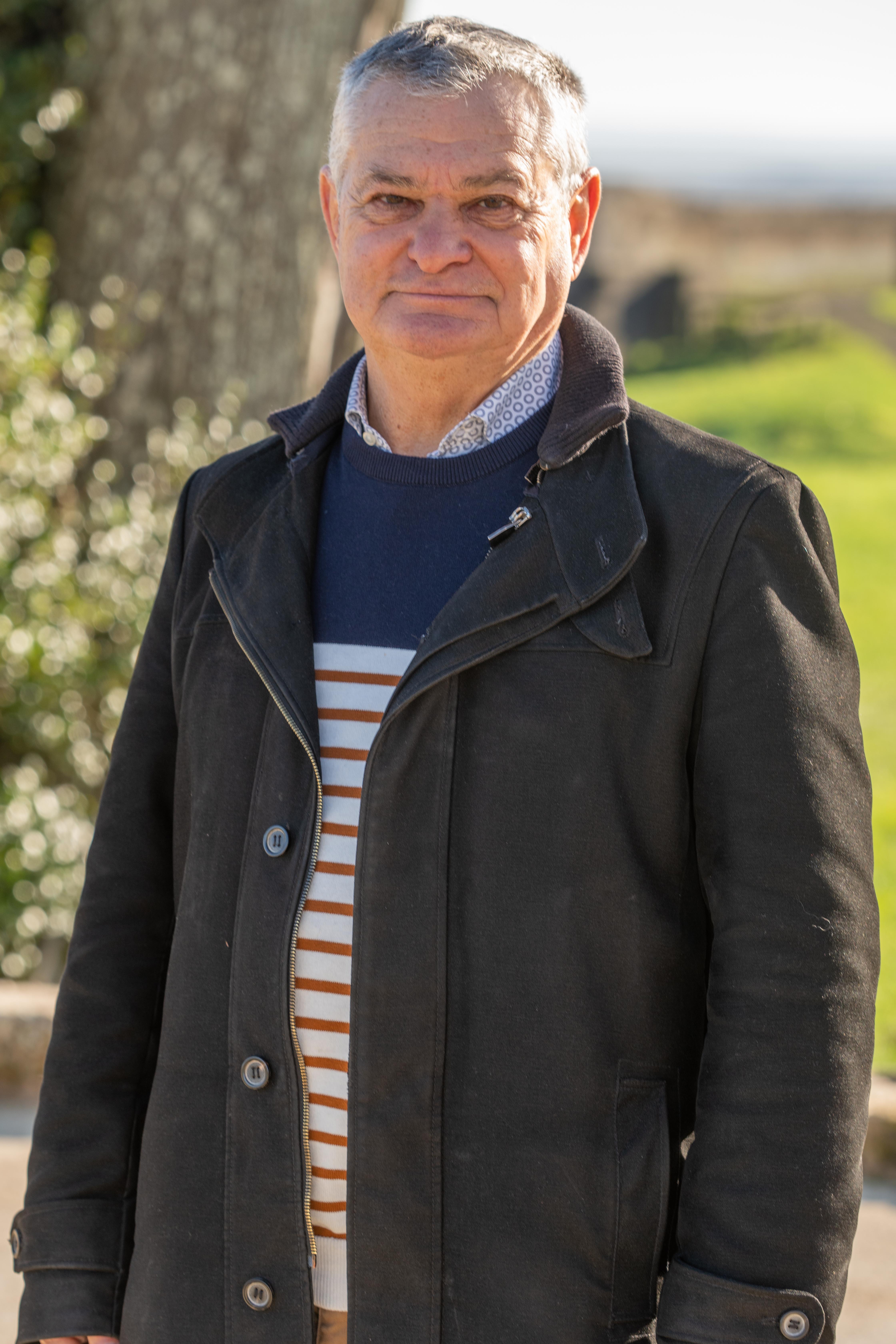 JIM ROUMEGOUS