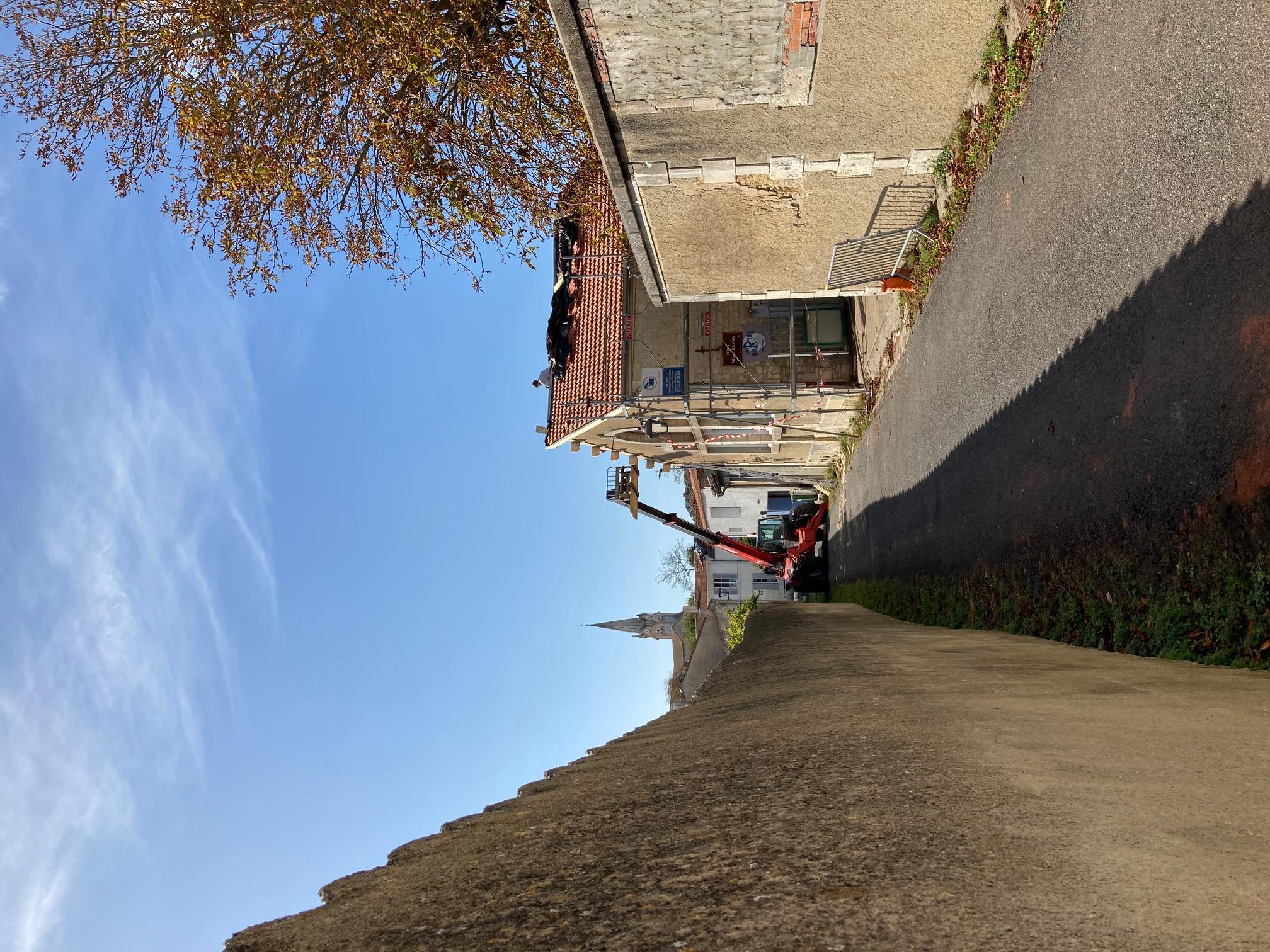Toit de la crèche du Château d'Oléron restauré après le passage de la tornade