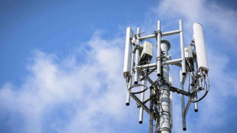 Antenne relais téléphonie mobile